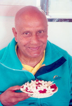 sri-chinmoy-flowers.jpg